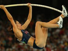 Jenn Suhr claims the GOLD for the women's pole vault! Long Jump, High Jump, Leg Workout At Home, At Home Workouts, Jumping Poses, Heptathlon, Pole Vault, Commonwealth Games, Figure Poses