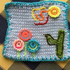 Bordado sobre crochet