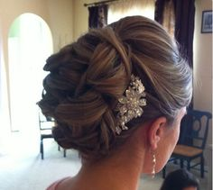 Bridal Hair | Hairstyle | Elegant | Formal | Brunette | Highlights | Updo | Pretty | Fancy