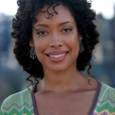 You haven't seen Gina Torres co-star on the series Suits (USA Network) you must see this stunning beauty/actress do her thing effortlessly. Beautiful Black Women, Beautiful People, Afro, Jessica Pearson, Curly Hair Styles, Natural Hair Styles, Gina Torres, Dark Skin Girls, Ethnic Hairstyles