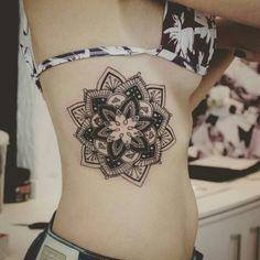 """Tatuagem feita por <a href=""""http://instagram.com/brunomazambane_."""">@brunomazambane_.</a>"""