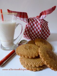 Galletas de Gofio Especiadas Waffles, Sweet Tooth, Muffin, Food And Drink, Cupcakes, Cookies, Breakfast, Desserts, Recipes