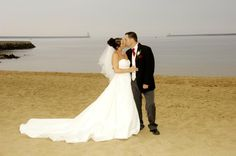 Make the most of your wedding venue by the beach!!