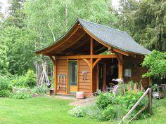 backyard garden shed | Jim Oseychuck's backyard garden shed, which he built all from self ...