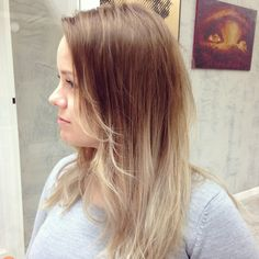 Blonde hair ombre