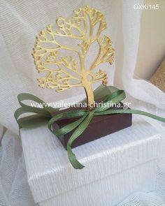 Χρυσό δέντρο της ζωής με λευκό κουτί Wedding Things, Wedding Stuff, Weddings, Bodas, Hochzeit, Wedding, Marriage, Casamento, Wedding Ceremonies