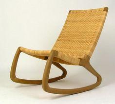 Cadeiras de balanço de roupa nova. Designer Shawn Place