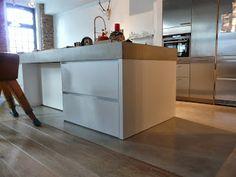 LifeBoXX - Microtopping Beton Floor Farbe-Nr. 18 (50%) - Küchen & Flurboden, Arbeitsplatte, Kamin mit Sitzecke in Betonoptik, Seidenglanz - Dez. 2013 - Ausführung: Dirk Backes aus Trier & S. Freund