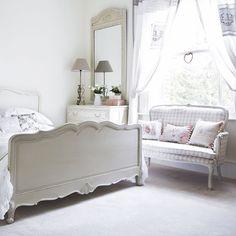 Schlafzimmer weiß landhausstil sofa floral