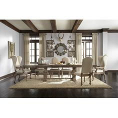 Pulaski Desdemona Dining Room Set