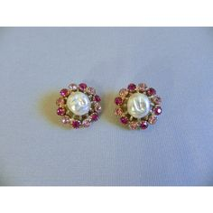Vintage 1950s WEISS Earrings 50s Dazzling Pink Rhinetone Clip Earrings... ($25) ❤ liked on Polyvore featuring jewelry, earrings, vintage earrings, vintage clip on earrings, clip on earrings, vintage jewellery and vintage jewelry