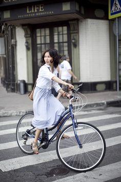 6a1cf6c8b0d3 Photo of a big bunny rabbit! Urban Cycling, Urban Bike, Bike Style,