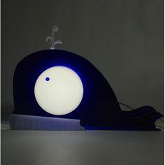 Lampada Whale. Lampada da tavolo o da comodino per camerette bambini. #design #plexiglass #designtrasparente #online #bambini #illuminazione #kids
