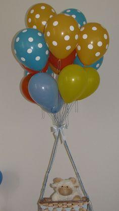 Decoração da mesa principal com ovelhinha com balões.  Créditos: Balões e filme: Balão Cultura  Gostou? Contate-nos: www.balaocultura.com.br Telefones: 11 50816916 ou 39049892  #arranjodemesa #decoraçãodeovelhinha #decoraçãodeovelha #decoraçãodeovelhanobalao #balaodecoracao #qualatex #decoraçãodiferente #decoraçãocriativa #encontraideias #mamaefesteira #balaocultura