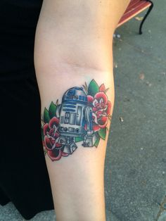 R2D2 starwars tattoo with roses from Matt Robinson in Vacaville CA at Anchor Tattoo