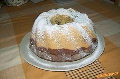 Krásně nadýchaná bábovka jako beránek Bunt Cakes, Food And Drink, Pudding, Cupcake, Carving, Kuchen, Custard Pudding, Cupcakes, Wood Carvings