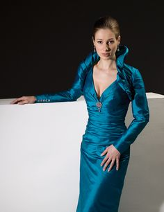 Blue V-neck Long Sleeves Two Pieces Floor Length Empire Mother of Bride Dresses