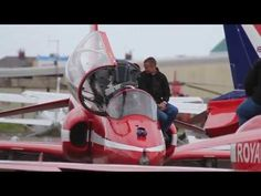 Published on 1 Sep 2013 A short video of the Royal Air Force Aerobatic Team, The Red Arrows during their day at Blackpool Airport. The day c...