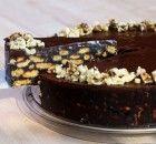 Πανεύκολο γλυκό ψυγείου με σαβαγιάρ και μερέντα | Συνταγές - Sintayes.gr Oreo Cheesecake, Sweet, Desserts, Food, Candy, Tailgate Desserts, Deserts, Essen, Postres