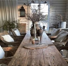 This would be great for an outdoor eating area. Country Decor, Rustic Decor, Deco Boheme Chic, Deco Champetre, Dining Room Design, Home Interior, Outdoor Dining, Cheap Home Decor, Rustic Farmhouse