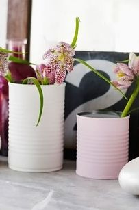 50 Extremely Ingenious Crafts and DIY Projects That Are Recycling, Repurposing & Upcycling Tin Cans Reuse Jars, Recycle Cans, Repurpose, Painted Tin Cans, Paint Cans, Painted Vases, Tin Can Crafts, Diy And Crafts, Sweet Paul
