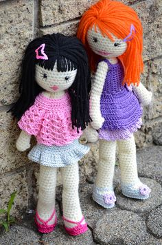 Giulia and Kaya by Lenekie, via Flickr - Check out these girls bangs!