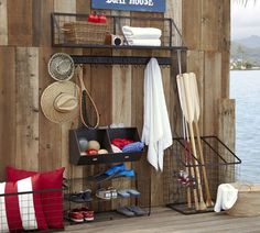 Lake house organized dock idea - not a good link