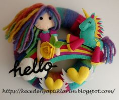 #felt #feltwreath #unicorn #feltgirl #hello #feltrose #rainbow #feltproject #feltDIY #kapısüsü #keçe #bebekodasi #cocukodasi #dekor #kapidekor #duvardekor