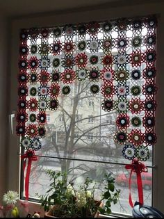 Irish lace, crochet, crochet patterns, clothing and decorations for the house, crocheted. Flower Curtain, Crochet Curtains, Ideas Hogar, Classic Home Decor, Crochet Home Decor, Hippie Home Decor, Crochet Squares, Irish Crochet, Stores
