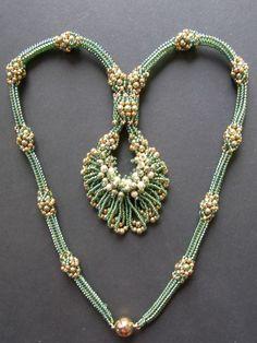 Yvonne Gorissen has manufactured to sell them in her shop Fairy Pearls ABOUT From Her Blog: Von meiner Oma habe ich das Handarbeitsgen geerbt. Bereits zu Schulzeiten habe ich gestrickt, einen Pulli nach dem anderen.