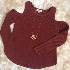 ♥️Shoulderless Sweater Gently used. No stains/tears. Smoke free home. Waffle knit/shoulder-less sweater. Comfortable and cute! Rust looking color. No trades/holds. Knox Rose  Sweaters Crew & Scoop Necks