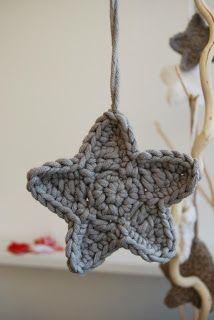 Gehaakte Kerstster Diy Tricot Crochet, Crochet Wool, Crochet Stars, Crochet Quilt, Love Crochet, Crochet Crafts, Crochet Flowers, Crochet Projects, Sewing Crafts