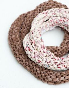 Easy Knit Necklace