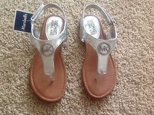 NWT MICHAEL KORS Girl !!! Girls Silver Flip Flop Sandals SIZE Youth 3 BRAND NEW