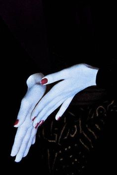 No tears for the creatures of the night. Yamaguchi, Photo Main, Artist Makeup, Formation Photo, Christmas Style, Art Photography, Fashion Photography, Guy Bourdin, Creatures Of The Night