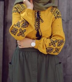 Yellow and oily green Modern Hijab Fashion, Islamic Fashion, Abaya Fashion, Muslim Fashion, Modest Fashion, Girl Fashion, Fashion Outfits, Fashion Hacks, Hijab Style Dress