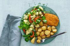 Kijk wat een lekker recept ik heb gevonden op Allerhande! Trio van ovenkriel, bloemkoolsalade & crunchy kaasburger