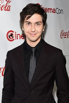 Nat Wolff just cleared up some major Spiderman rumors...!