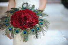 Rosas y plumas, combinación sutil pero con fuerza a la vez.