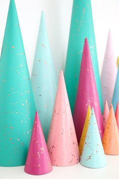 DIY Copper Splatter Painted Modern Christmas Tree Decorations - Advent Calendar - Modern Trees - Target Style - Winter Wonderland - Holiday DIY - Craft Idea - Christmas Craft - Christmas Decorations - DIY