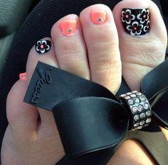 40 Creative Toe Nail Art designs and ideas Pedicure Designs, Pedicure Nail Art, Toe Nail Designs, Toe Nail Art, Flower Pedicure, Pedicure Ideas, Nail Ideas, Pretty Toes, Pretty Nails