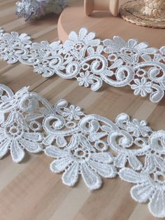 30pcs Flower Lace Edge Trim Ribbon with Pearl Beads Daisy Floral 3.8/×3.8 cm// 1.5/×1.5 inch Vintage White Black Edging Trimming Fabric Embroidered Applique Sewing Craft Wedding Dress Decor White