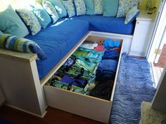 Cool storage seating area - have not considered this option for myself but the amount of storage is impressive.