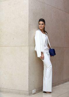 """O Dúvida da Leitora dessa semana é sobre Blazer Branco: """"Ganhei um blazer branco lindo de aniversário e gostaria de usar de básico a sofisticado"""" (obr..."""
