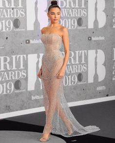brit awards in custom thank you for making me feel like a princess 🔬🖤 y'all know my docs and a hoodie were on an hour later… Event Dresses, Prom Party Dresses, Formal Dresses, Long Dresses, Madison Beer Outfits, Gigi Hadid Outfits, Stunning Dresses, Red Carpet Looks, Dress To Impress