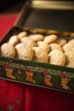 Paulas Anisplätzchen Christmas Tale, Nom Nom, Cookies, Baking, Desserts, Food, Baking Cookies, Sheet Pan, Ginger Beard