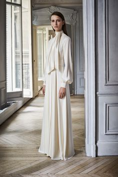 A First Look at Bouchra Jarrar's Debut Resort Collection for Lanvin - Vogue Fashion Week, Fashion 2017, Look Fashion, Runway Fashion, High Fashion, Fashion Show, Fashion Trends, Paris Fashion, Lanvin