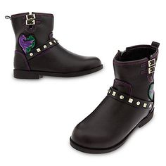Disney Descendants 2 Faux Leather Boots for Girls Size 11 -- More info could be found at the image url-affiliate link. Mal Descendants Costume, Disney Channel Descendants, Disney Descendants Clothes, Descendants Music, Cameron Boyce, Princesa Elizabeth, Light Up Shoes, Disney Shoes, Disney Girls