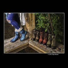 School photo project: Product in Situation.  #Dromedaris #boots #fall #autumn #autumncolors