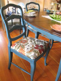 Gorgeous thrifted blue chair makeover - easy DIY furniture makeover tutorial by Girl in the Garage Refurbished Furniture, Painted Furniture, Dining Room Makeover, Kitchen Table Decor, French Furniture, Home Decor, Vintage Furniture, Vintage Kitchen Table, Furnishings